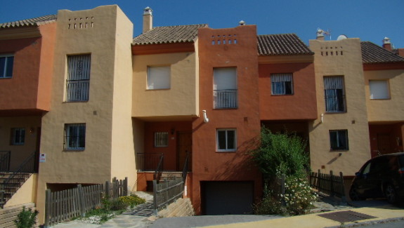 Selwo Mar Townhouse for rent Estepona