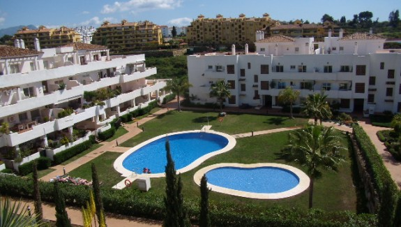 long term rental apartment in Altos de Lunymar Estepona