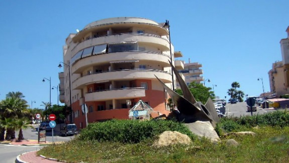 four bedrooms penthouse apartment for rent in Estepona
