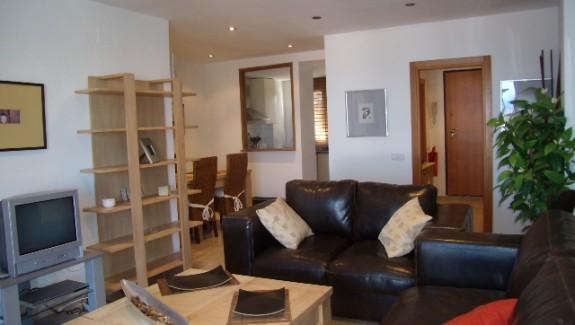 Three Bedroom Apartment to Let Vistalmar Manilva  - Alquiler Larga Temporada Manilva