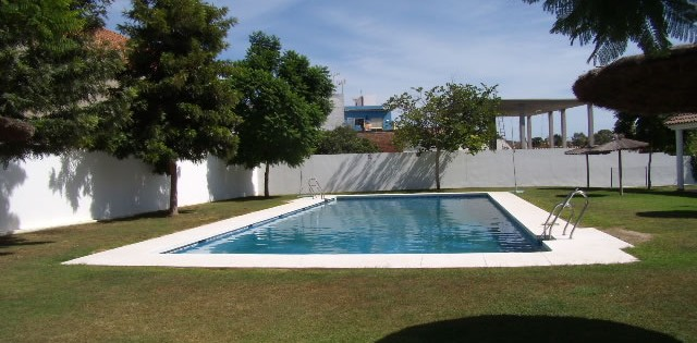 semi detached house for rent in Guadiaro. Alquiler de casa adosada para larga en Guadiaro, San Roque