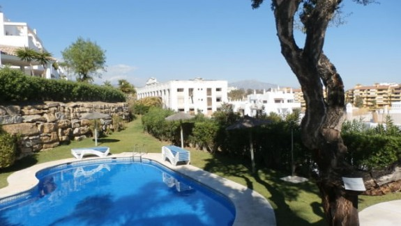three bedroom penthouse apartment for rent long term in Vista Golf, Estepona, Costa del Sol, Spain, alquiler de ático para larga temporada, Estepona