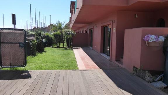 Ground floor apartment to let in Costa Galera - Estepona