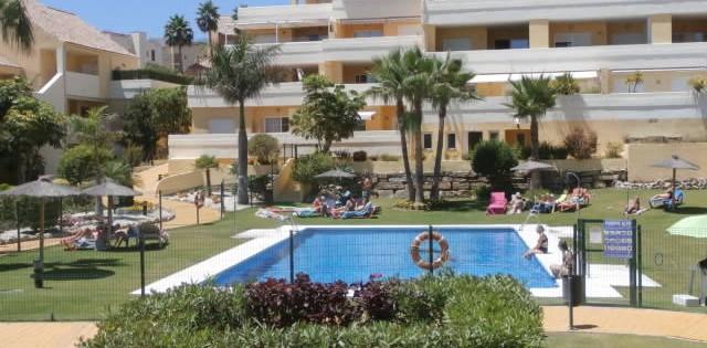 Three Bedroom Apartment to Let in Puerto Alto - Estepona